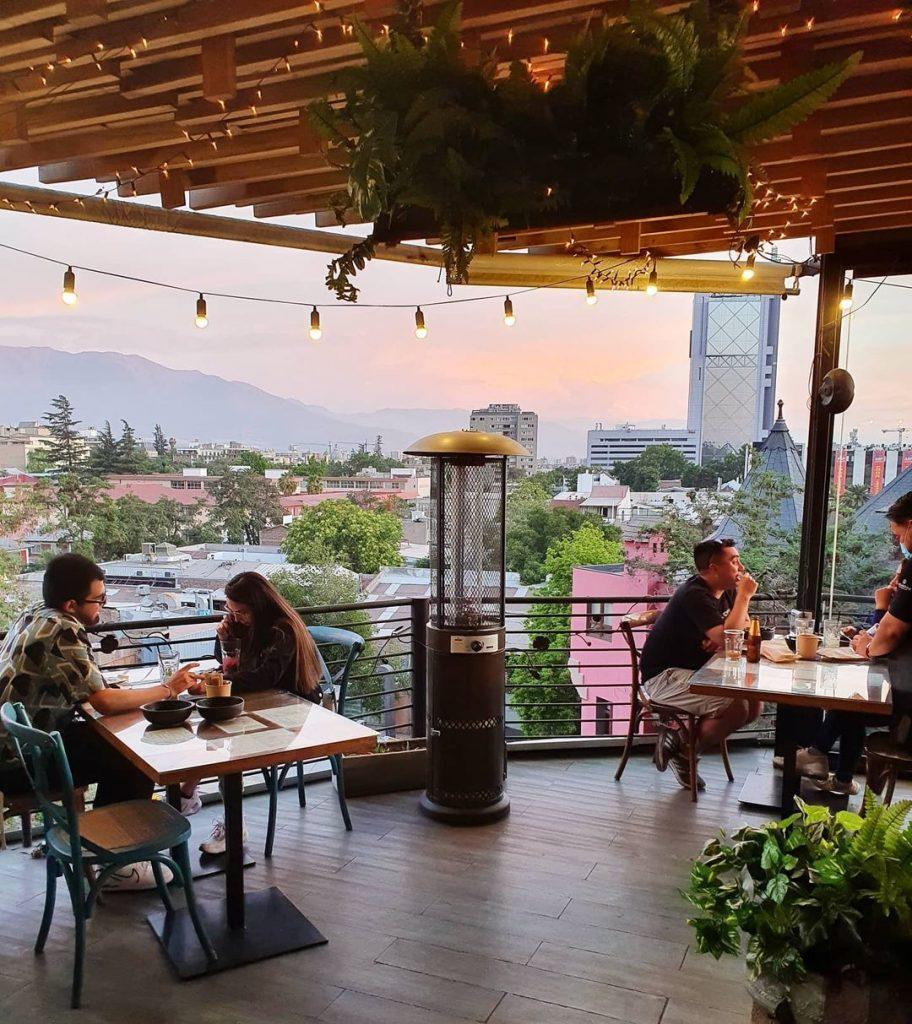 rooftops em santiago restaurante para ver o por do sol em Santiago azotea matilde